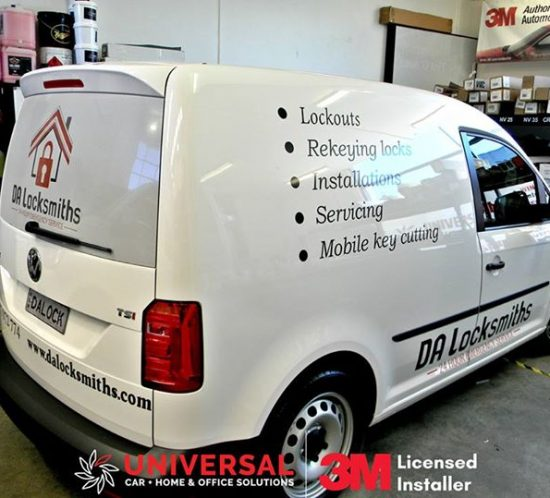 DA Locksmiths Car signage wrapping